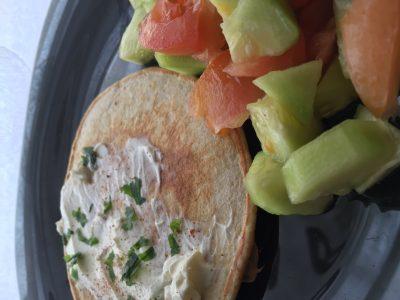 Pancakes salati con pollo e paprika