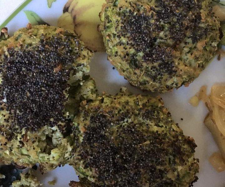 Polpette di tofu e zucchine impanate con i semi di papavero