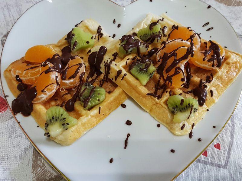 Waffle senza burro con Yogurt e frutta