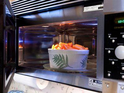 Forno a microonde: è salutare come la cottura a vapore?