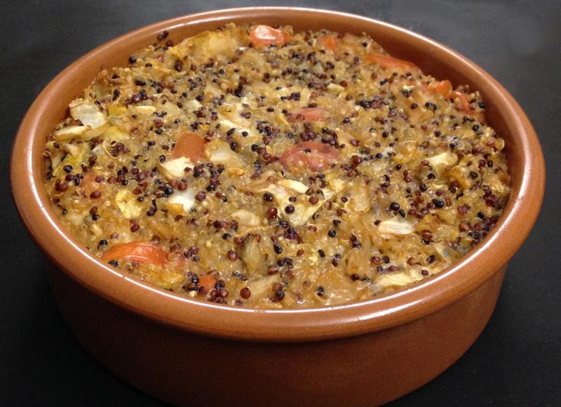 Tortino rustico di quinoa con cavolo cappuccio e salsa di soia
