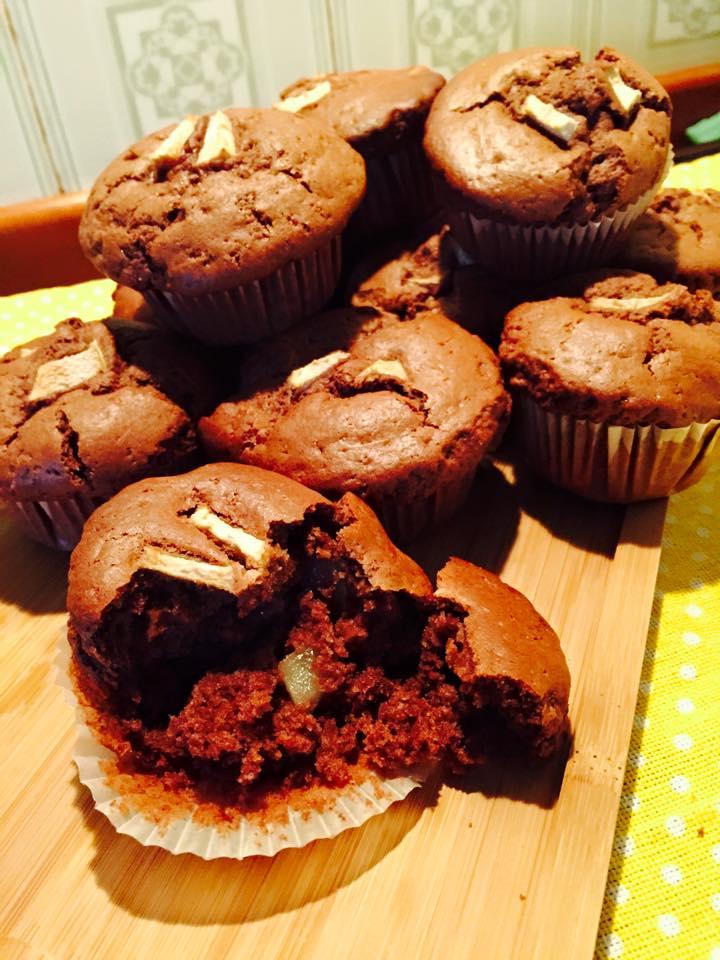 Muffins vegani al cioccolato e pera