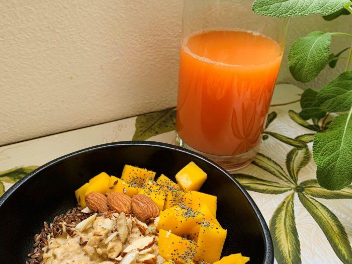 porridge alle mandorle con mango.