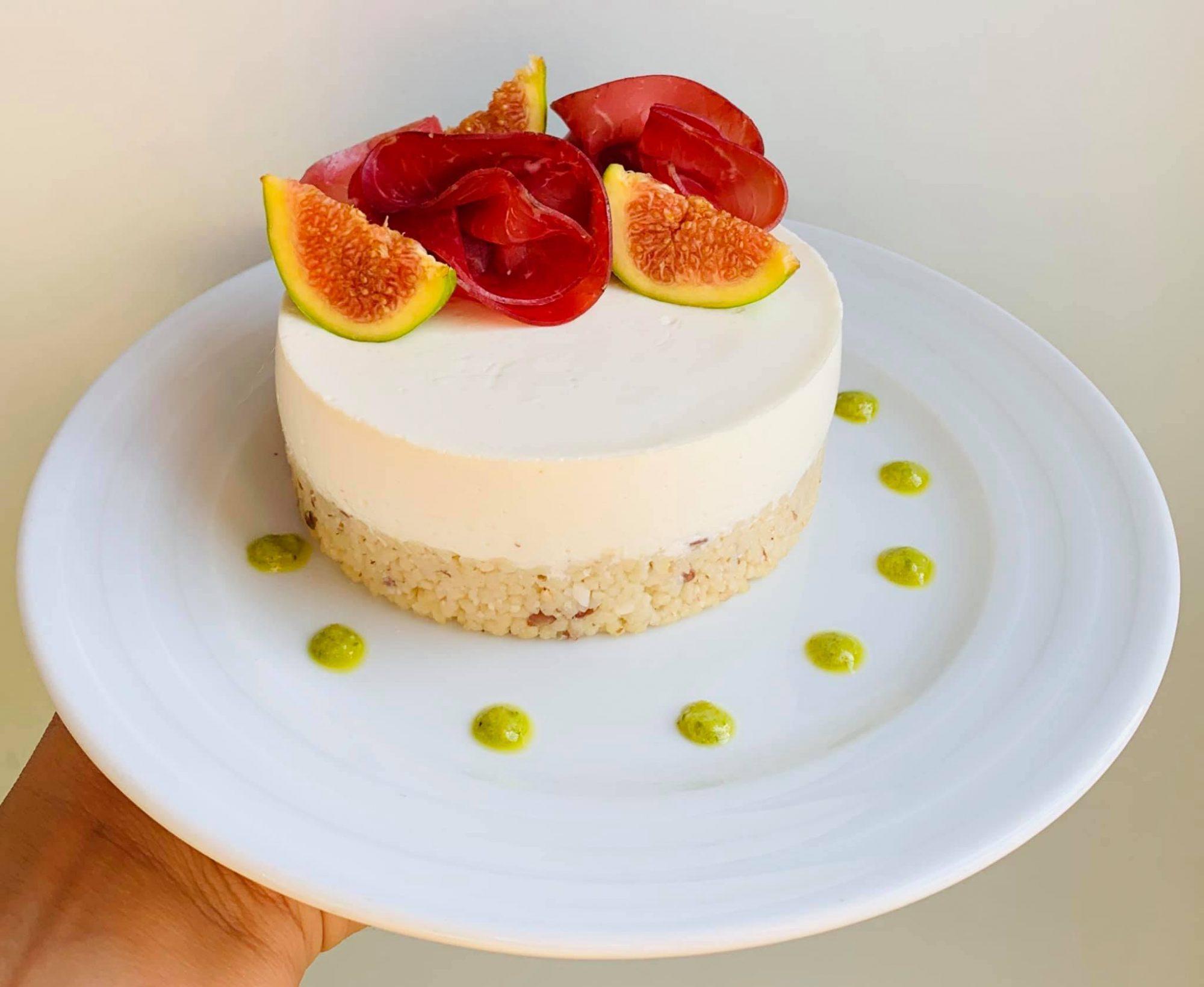 Cheesecake salata bresaola e fichi