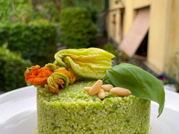 Cous cous con pesto di zucchine e basilico